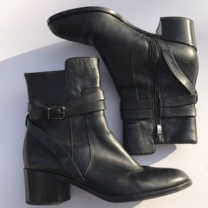 Via Spiga booties 9